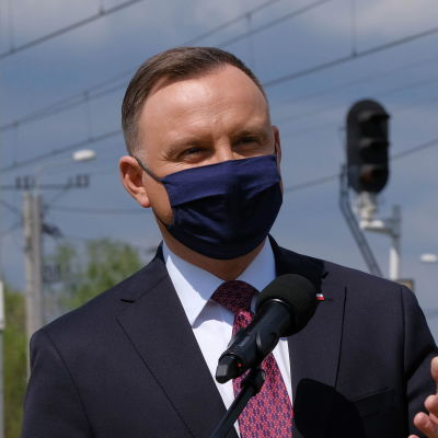 Polens sittande president Andrzej Duda höll en presskonferens i staden Jozefin, i mellersta Polen den 7 maj.