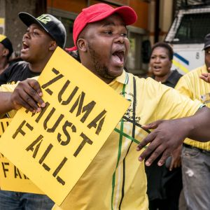 Krav på att Sydafrikas president Jacob Zuma avgår.