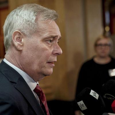Antti Rinne i Ständerhuset.