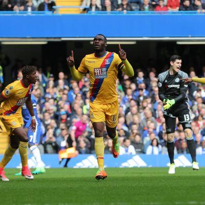 Wilfried Zaha firar mål