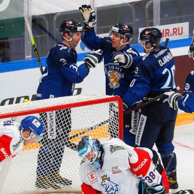 Suomi-Tshekki