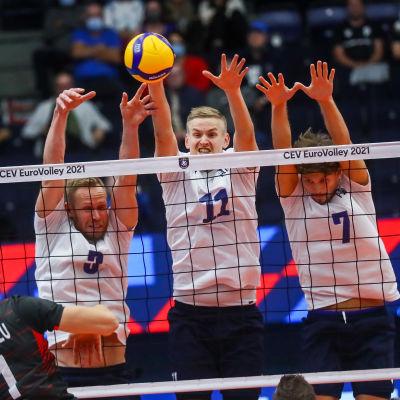 Mikko Esko, Sauli Sinkkonen och Niko Suihkonen i matchen mot Turkiet.