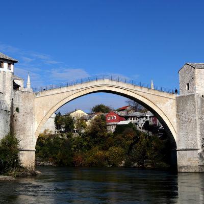 Gamla bron i Mostar i Bosnien-Herzegovina.