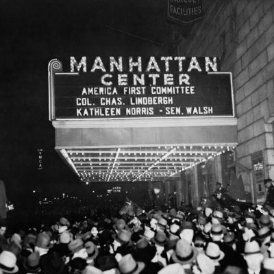 America First -iskulauseella on karu historia. Samanniminen komitea ajoi USA:n puolueettomuutta II maailmansodassa. Liikkeen tunnetuin hahmo, lentäjä Charles Lindbergh syytti julkisesti juutalaisia USA:n raahaamisesta sotaan.