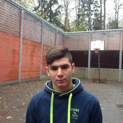 Ferhat Alar har varit inlåst sedan han lämnade in asylansökan, nu i två månader.