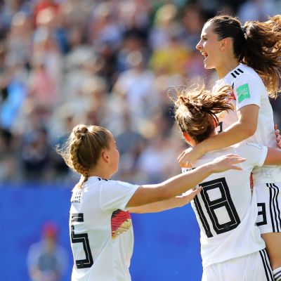 Saksan naisten jalkapallomaajoukkue