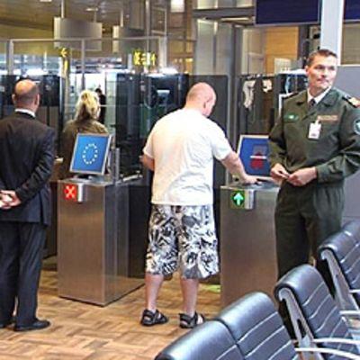 Automaattinen passintarkastus