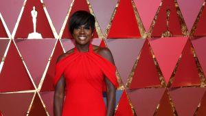 Viola Davis anländer till Oscarsgalan 2017.