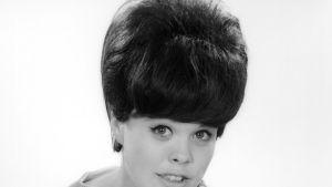 Ann -Christine Nyström med fin frisyr.