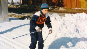 Tim Sparv skidar som barn.