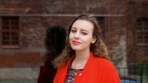 Saara Lindahl (s. 1993) opiskelee Sibelius-Akatemian sävellysluokalla.