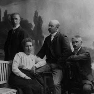 Familjen Wallenius, ett porträtt.