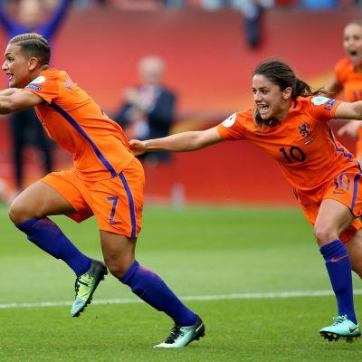 Shanice van de Sanden spelar fotboll för Nederländerna.