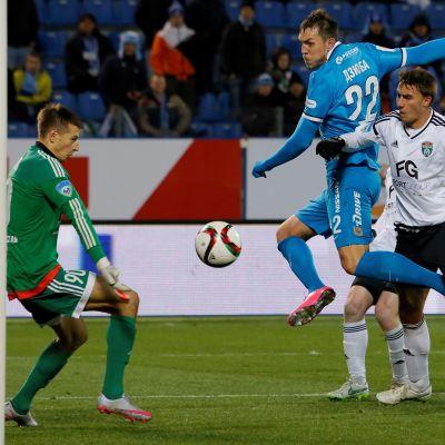 Jevgeni Kobotjev spelade för FC Tosno som föll mot Zenit i den ryska cupen hösten 2015.