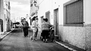 Mustavalkoinen katukuva Espanjasta