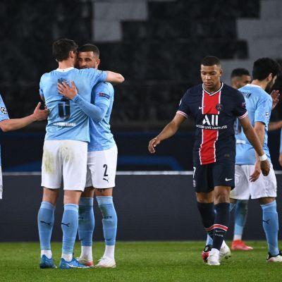 Cityspelare firar, Kylian Mbappé deppar