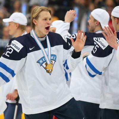 Kasper Björkqvist vann VM-guld med juniorlejonen 2016.