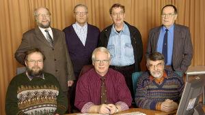 """Luontoillan """"seitsemän veljestä"""" radiostudiossa vuonna 2005."""