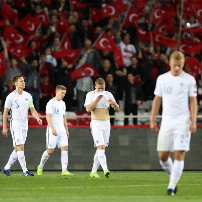 Finlands fotbollslandslag förlorade 0-2 mot Turkiet i VM-kvalet.