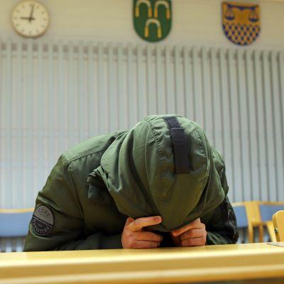 Oulun seksuaalirikosvyyhdin toinen tapaus 26.4.2019 Oulun käräjäoikeudessa.