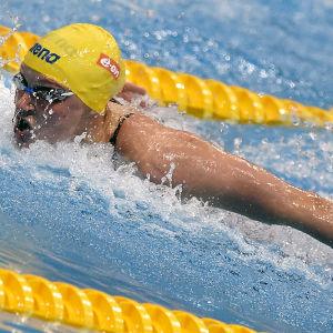 Sarah Sjöström simmar.