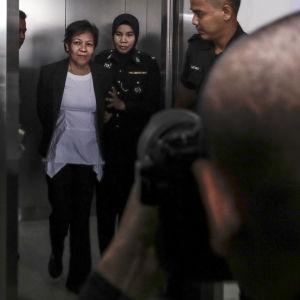Maria Exposto anklagades för narkotikasmuggling i Malaysia. Hon dömdes till döden. Exposto sade att hon smugglade droger på uppdrag av en man hon träffat på nätet.