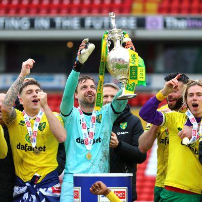 Norwich juhlii Mestaruussarjan voittoa