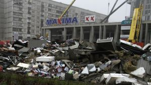 Ruinerna efter takkollaps i Riga