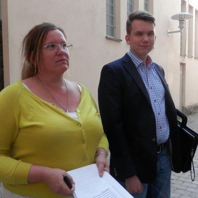 Annica Haldin (SFP) och Jacob Storbjörk (SDP) efter bildningsnämndens möte