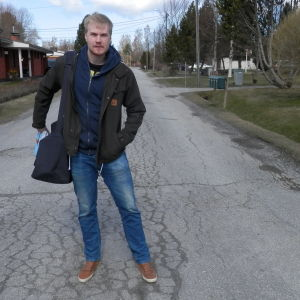 Oskar Skog på Klockarevägen i Jakobstad