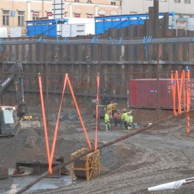 Här byggs den underjordiska torgparkeringen