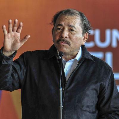 Den förre rebelledaren Daniel Ortega har styrt Nicaragua i över femton år under 1980-talet och på 2000-talet