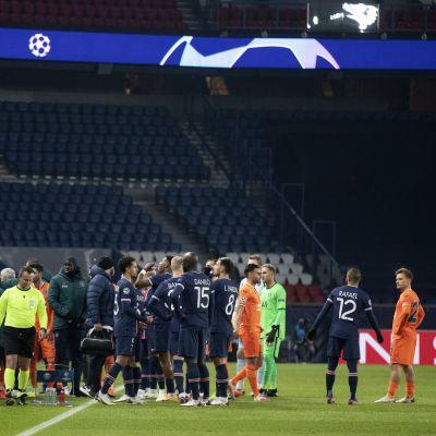 PSG:n ja Basaksehirin ottelu keskeytettiin.