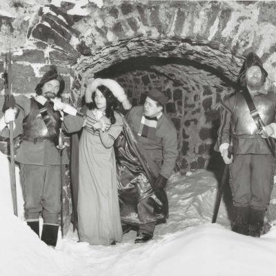 Carola ja Simo Salminen ohjelmassa Lumilinna (1965).