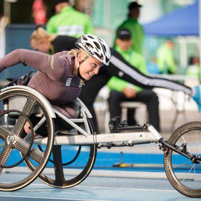 Pyörätuolikelaaja Amanda Kotaja
