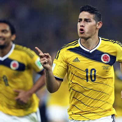 James Rodriguez gjorde två mål mot Uruguay.