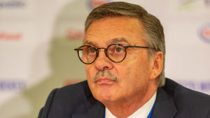 Schweizaren René Fasel är ordförande för det internationella ishockeyförbundet IIHF.