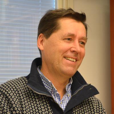 Söderkulla skolas rektor Jan-Erik Holmkvist i bild