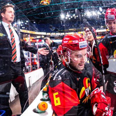 Jokerien KHL-kauden ympärillä on tukku vaikeita kysymyksiä.