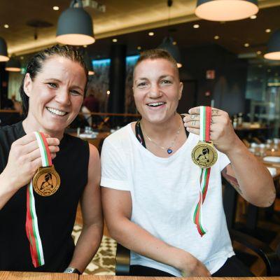 Elina Gustafsson ja Mira Potkonen