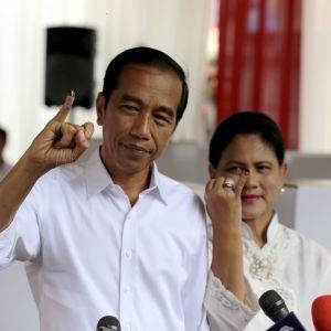 Joko Widodo och hans hustru Iriana den 17 april 2019.