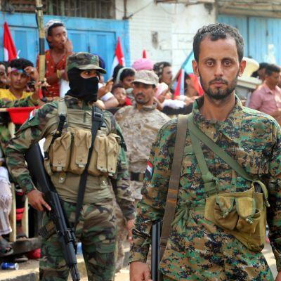 Separatister i södra Jemen utlyste självstyre i hamnstaden Aden och närbelägna provinser.