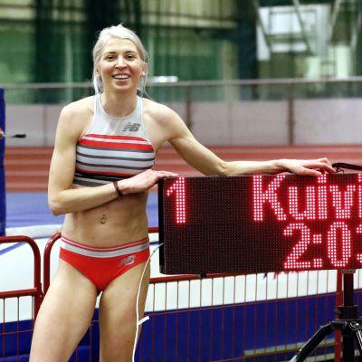 Sara Kuivisto rikkoi peräti 21 vuotta vanhan naisten 800 metrin juoksun Suomen halliennätyksen.