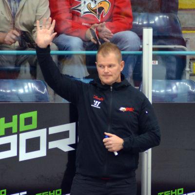Ari-Pekka Pajuluoma tränar Vasa Sport.
