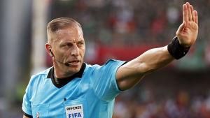 Nestor Pitana dömer VM-finalen.