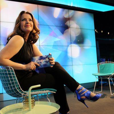 Eva Frantz sitter i stol.