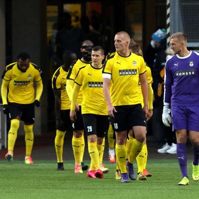 Spelare i fotbollsklubben KuPS.