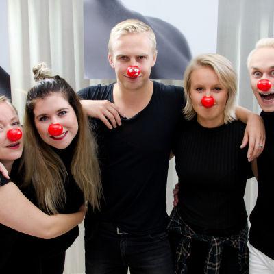 Joppe, Pernilla, Janne, Fredrika och Christoffer med röda näsor.