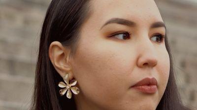 Zahra Karimyn kasvot erikoislähikuvassa