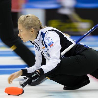 Suomen joukkueen kapteeni Oona Kauste